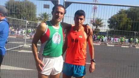 نام پیامبر بر روی لباس دونده ایرانی در دبی +عکس