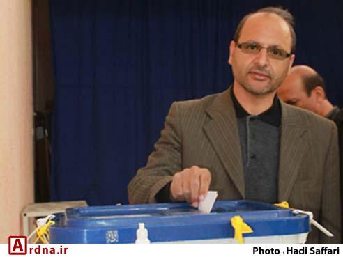 روحانی می داند كه رقيب جدی انتخاباتی اش احمدی نژاد است
