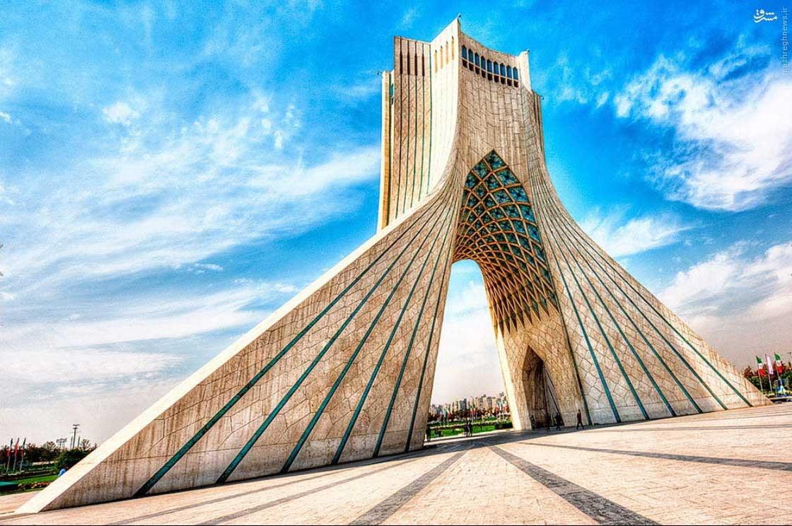 نمایی باشکوه از برج آزادی + عکس