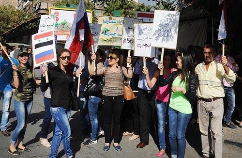 حمایت مردم از پوتین در سوریه + تصاویر