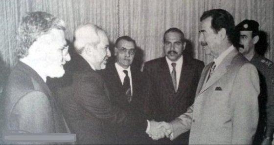 دیدار ظریف با صدام + عکس