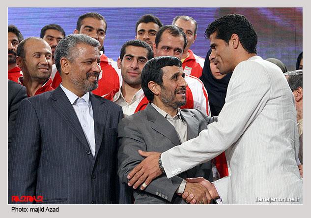 بازیگر تکواندوکار سریال آمین در آغوش احمدی نژاد! + عکس