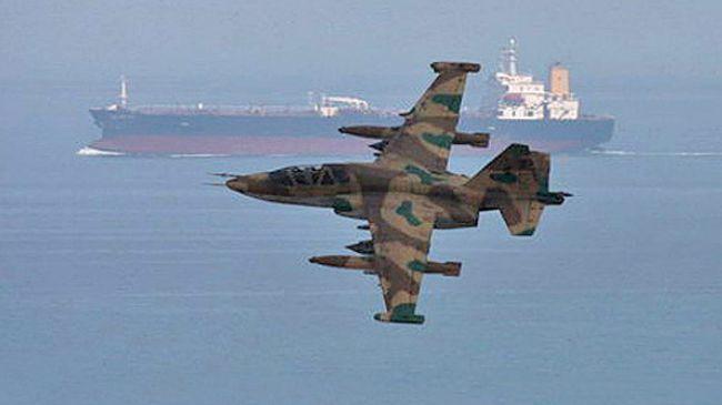 اسکورت هواپیمای وزیر خارجه عمان برای سفر به سوریه توسط جنگندههای ایران