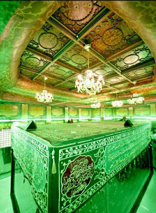 تصویر کمتردیده شده از نمای داخلی ضریح امام حسین(ع)
