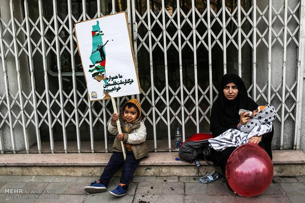 روزنامه انگلیسی گاردین:مرگ بر آمریکا در ایران ماندگار است