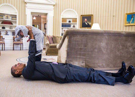 عکسی متفاوت از رئیس جمهور آمریکا در کاخ سفید