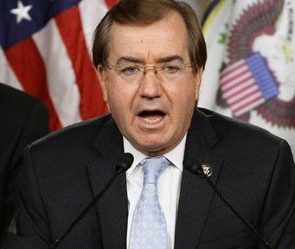 رئیس کمیته خارجی سنای آمریکا:تحریمهای جدید ایران و روسیه باید وضع شود
