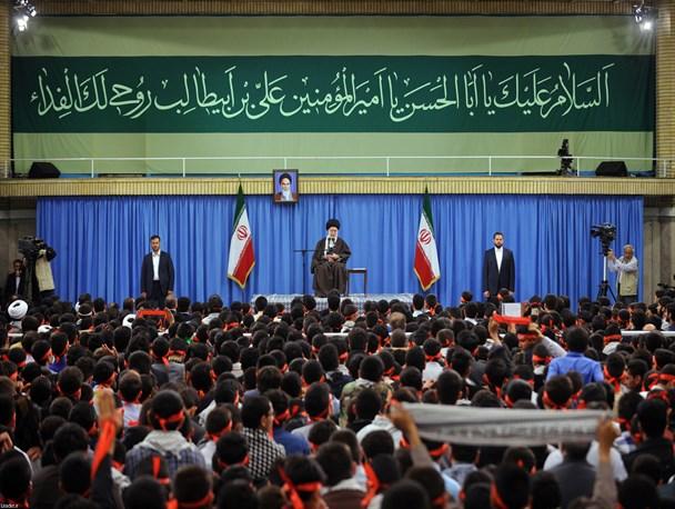 رهبر انقلاب در دیدار اعضای انجمنهای اسلامی دانشآموزان:حزب الله لبنان همچون خورشید میدرخشد/در مقابل استکبارکوتاه بیاییم مخالفت خود را به سایر پیشرفتها گسترش میدهند