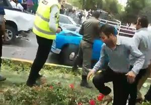شلیک در خیابان شیراز به سمت ماشینی که سدمعبر کرده بود! + فیلم