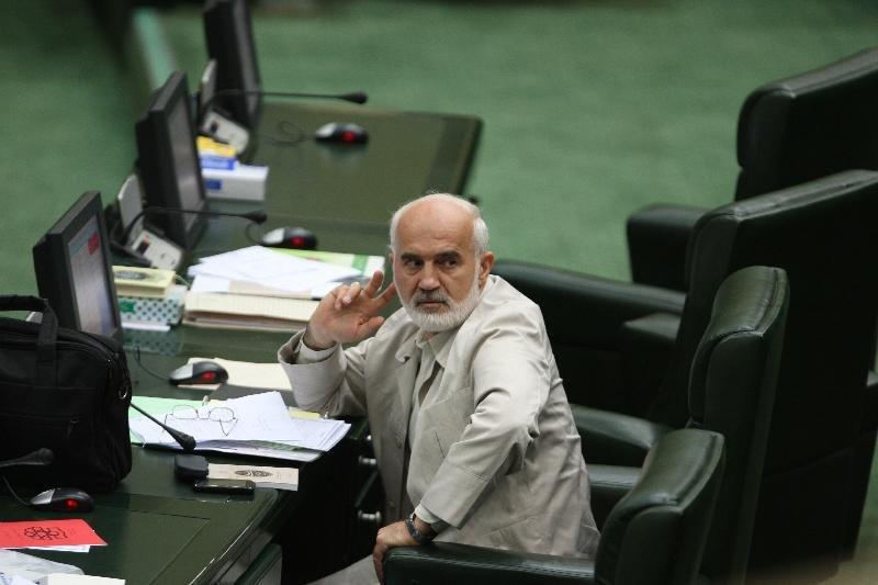 اعتراض احمدتوکلی به یک مقام دولتی که ماهی 35میلیون حقوق میگیرد!