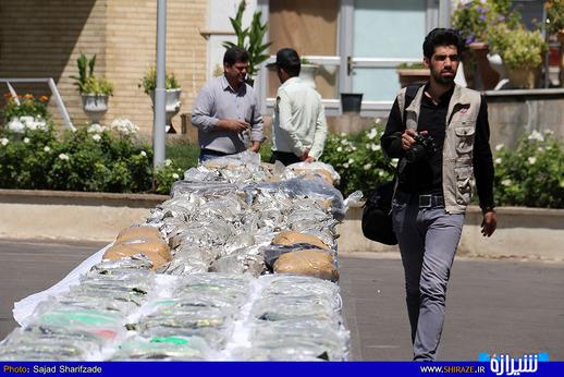 کشف 2 تن مواد مخدر در فارس + عکس
