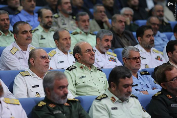 ضیافت افطار رئیس جمهوری با فرماندهان نیروهای مسلح + عکس