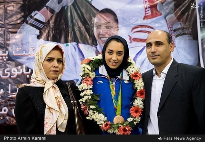 کیمیا علیزاده به ایران بازگشت + عکس